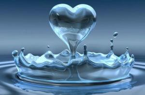 water heart shaped splash